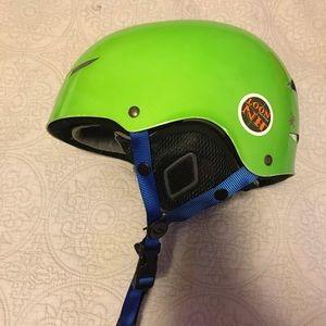 Lime Green Giro Snowboarding Helmut